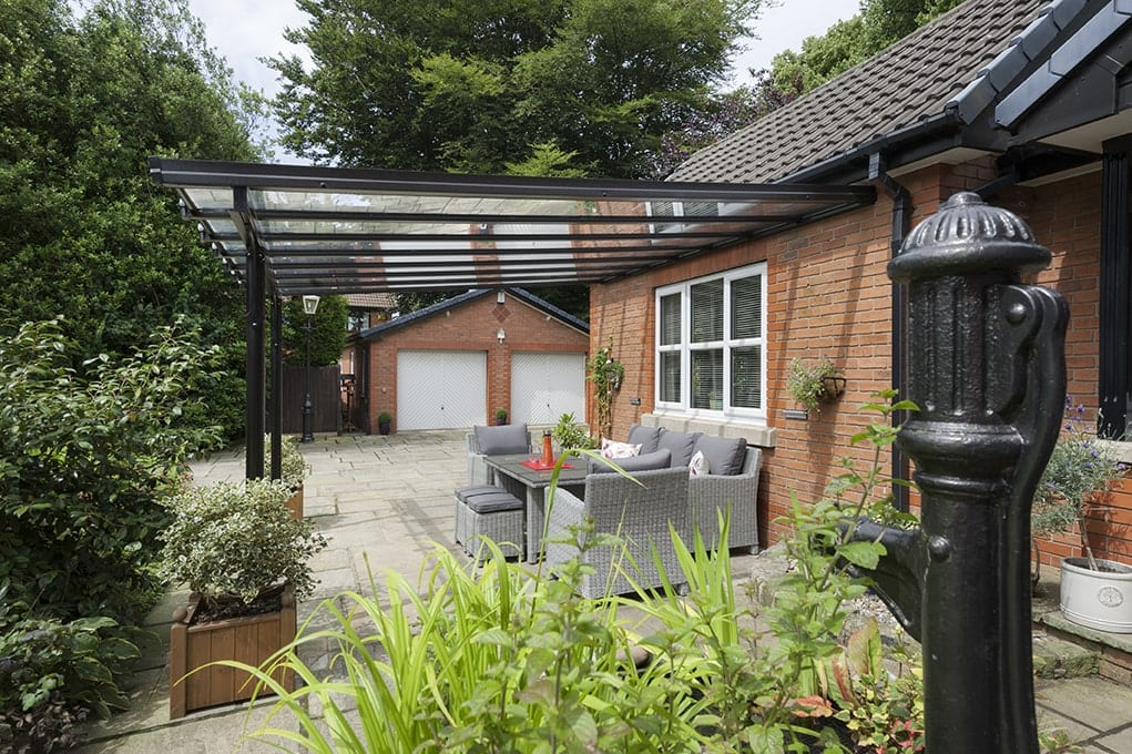 Aluminium Veranda over outdoor living space